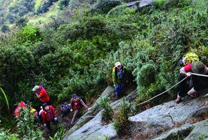 Tour khám phá mạo hiểm, đạp xe,leo núi hay thể thao