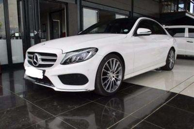 Cho thuê xe tự lái 4 chỗ Mercedes C250