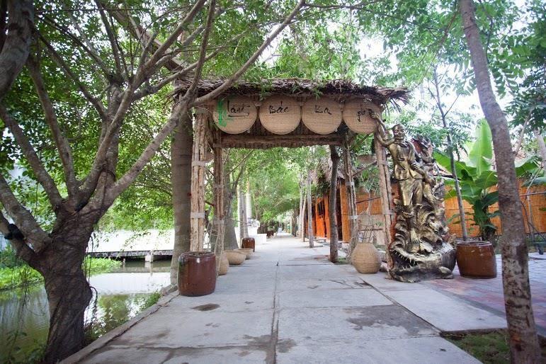 Du Lịch Hòn Đá Bạc – Nhà Bác Ba Phi – Rừng Quốc Gia U Minh Hạ